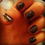 Black croc crackle and gold nails